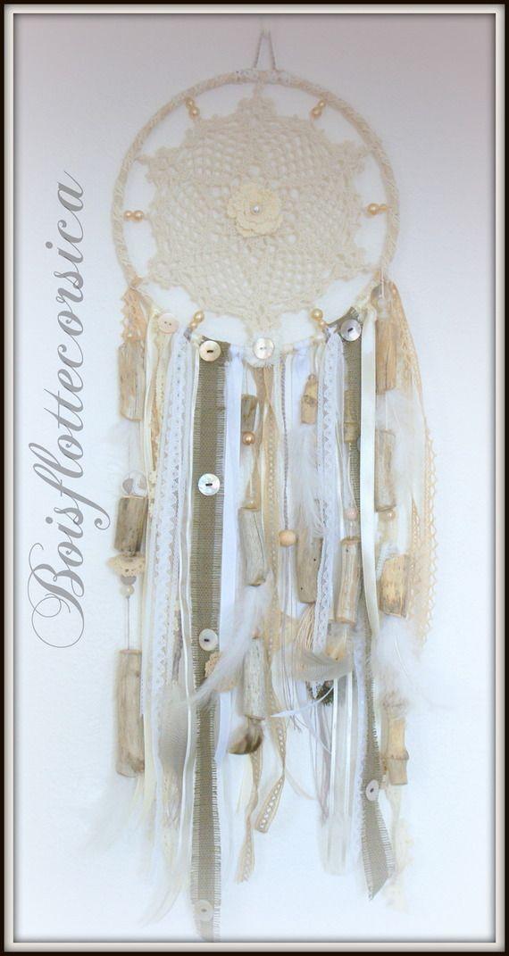 Dreamcatcher bois flott et napperon au crochet capteur for Chandelier bois flotte