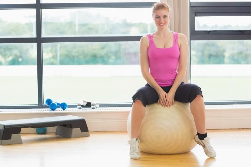 Does Bouncing on an Exercise Ball Help Strengthen Your Core? | Livestrong.com #exerciseball