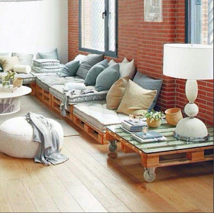 Salone mobili in pallet di legno arredamento e for Mobili da salone