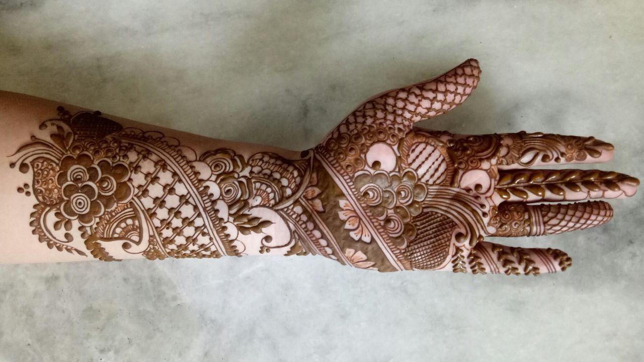 Bridal Mehndi Rates In Karachi : Ramazan eid special henna design simple bridal
