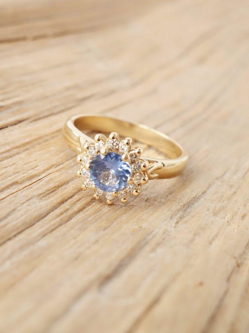 14 vintageinspired flower engagement rings for feminine