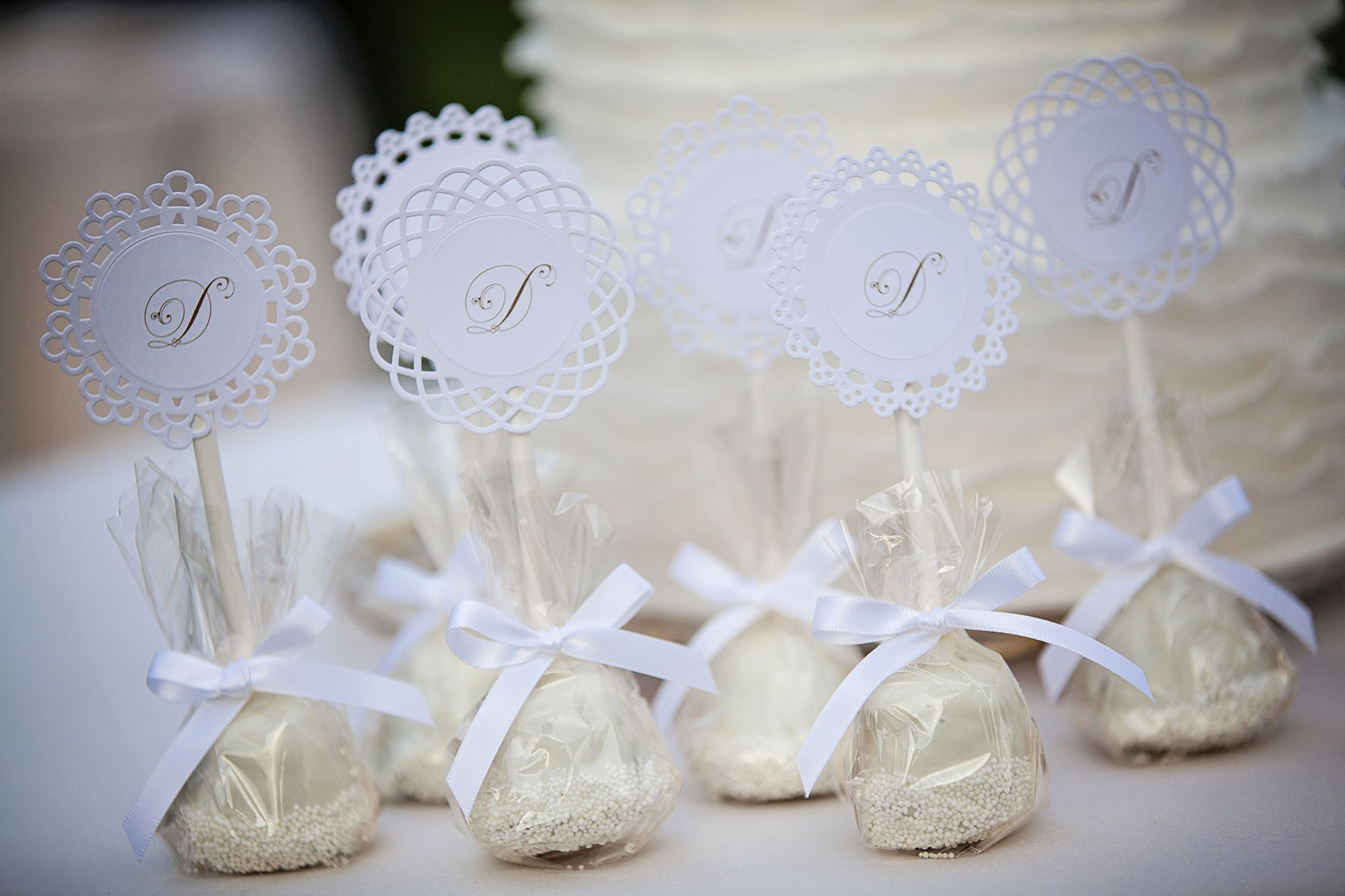 Beautiful Cake Pops Wedding Favors Vignette - Wedding Idea 2018 ...