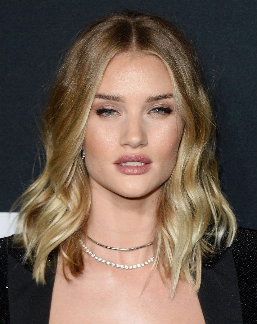 Ask A Hairstylist Which Hairstyles Will Slim My Face Hair