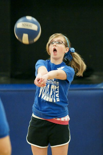 What Is The Best Way To Take Indoor Volleyball Pictures Photo Net Sports Forum Volleyball Pictures Indoor Volleyball Volleyball Photos
