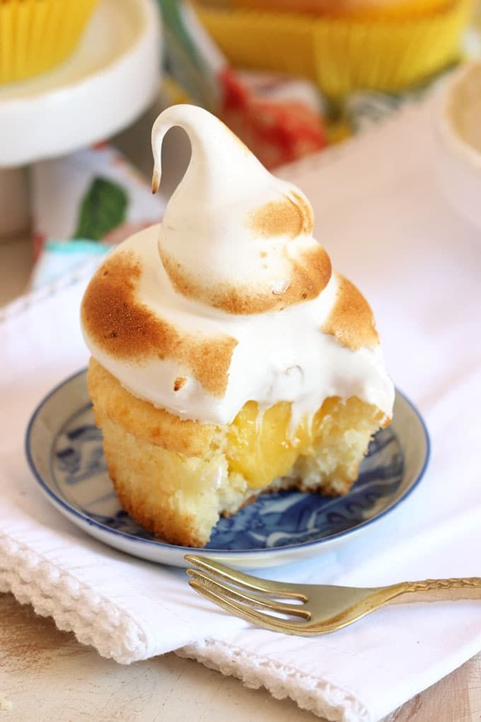 Easy Lemon Meringue Cupcakes - The Suburban Soapbox