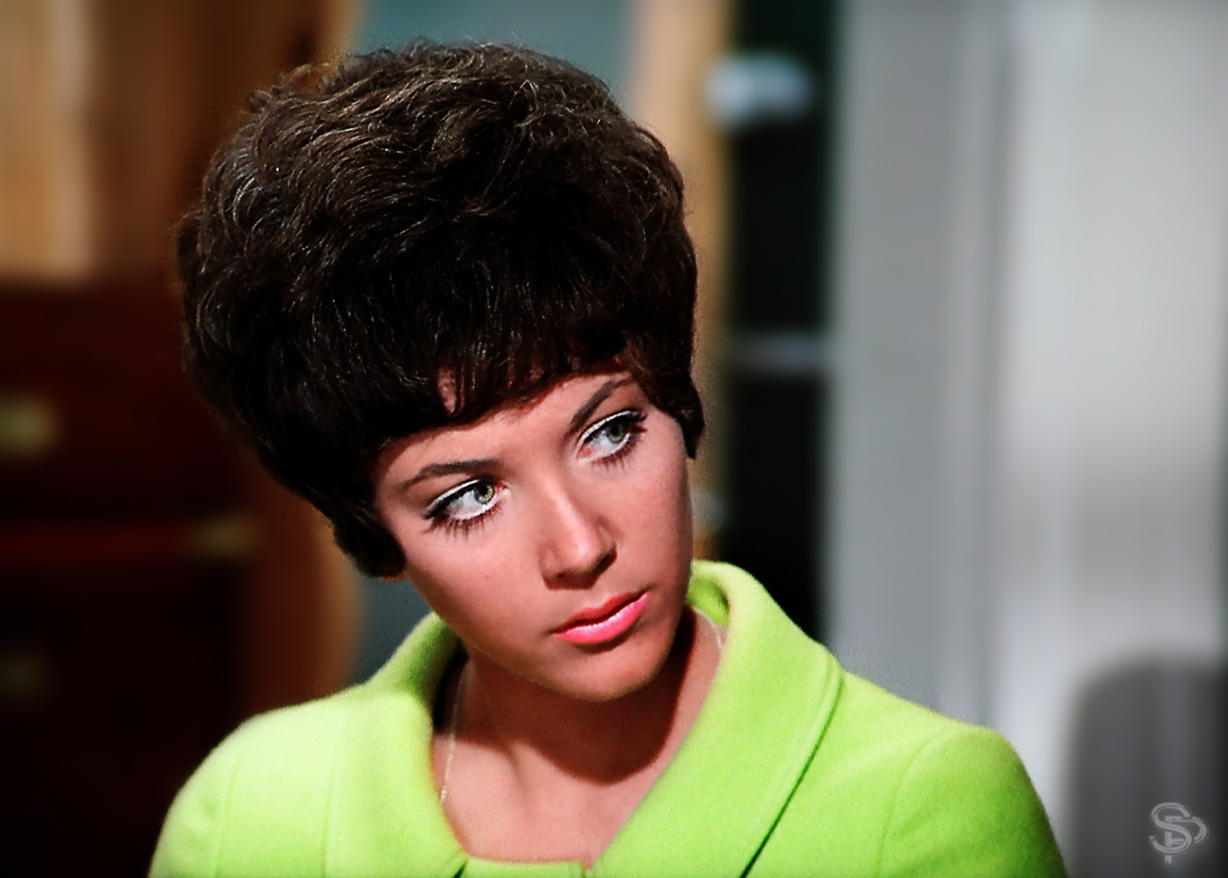 Linda Thorson as Tara King