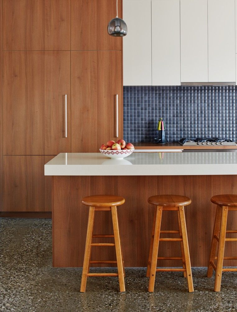 Interior Design: Neat Along With Hygienic Kitchen As Well As Dining Room Areas Set Inside Parallel Near Stylish Splashback As Background from Contemporary Residence Featuring Minimalist Interior