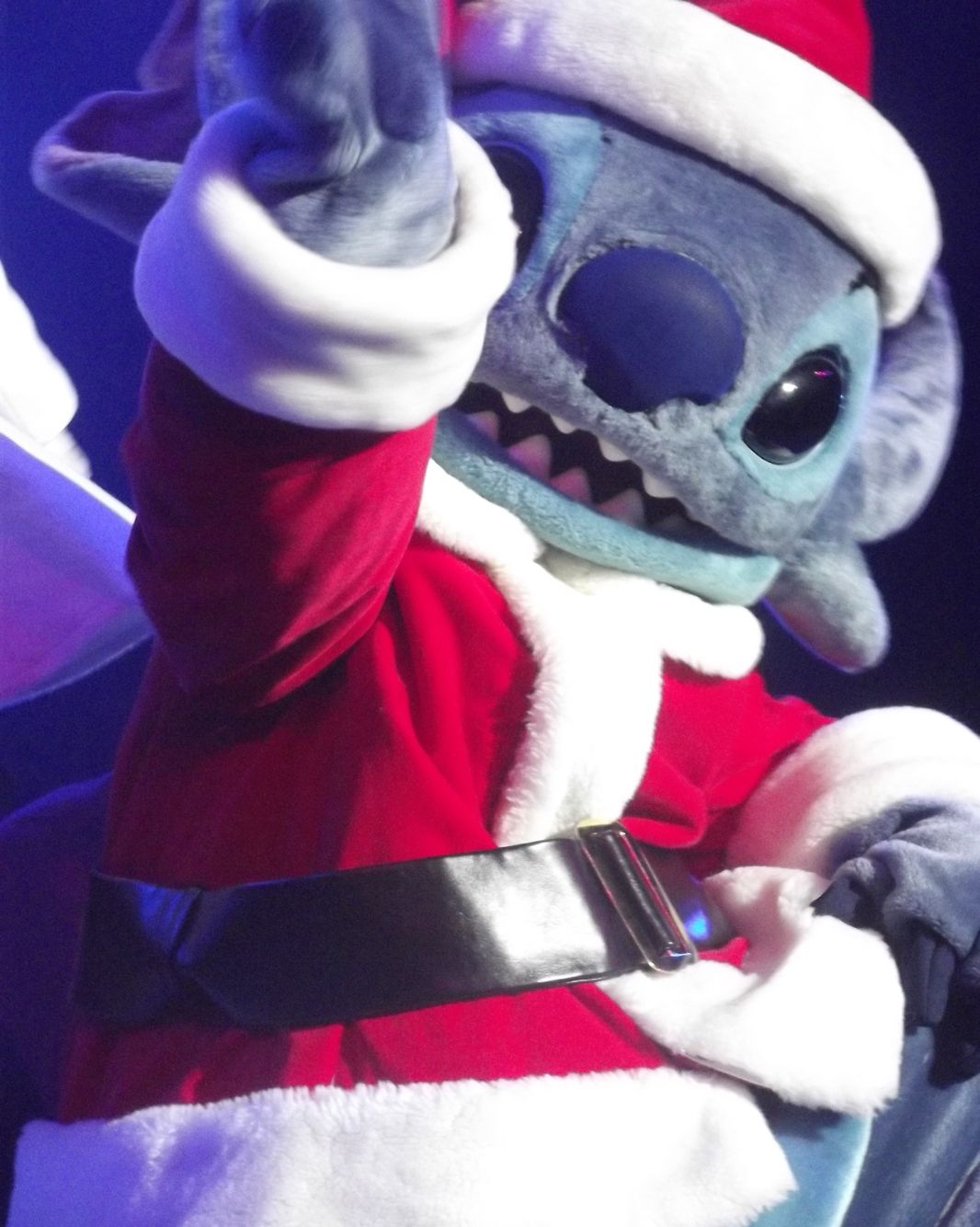 HO HO HO Stitch is coming to town!