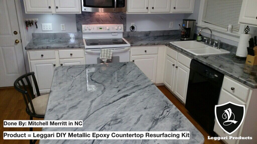 This Countertop Turned Out Beautiful Diy Leggariproducts Epoxy