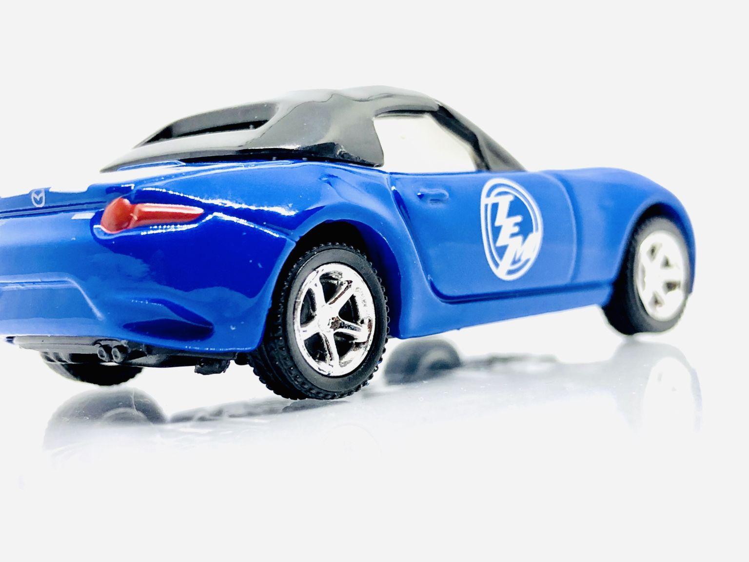 Tomica Showdown Audi R8 And Mazda Rx7 Diecastgraphy Mazda Audi R8 Audi