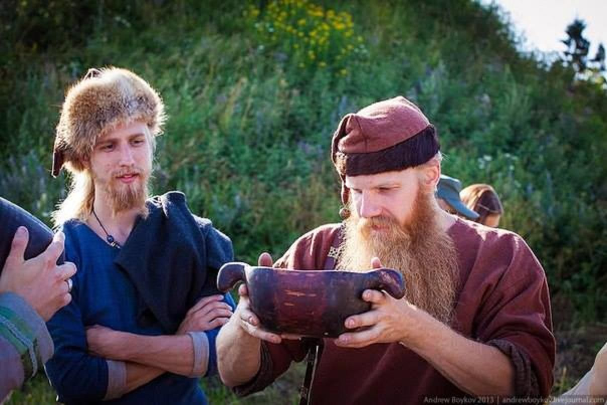 Let's seal our friendship with a bowl of Mead... SKOL!!! https://www.facebook.com/235623266577320/photos/a.235682906571356.1073741828.235623266577320/438139112992400/?type=1&permPage=1