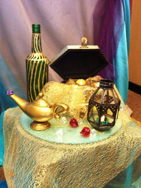Aladdin themed bridal shower themed bridal showers for Disney themed wedding centerpieces