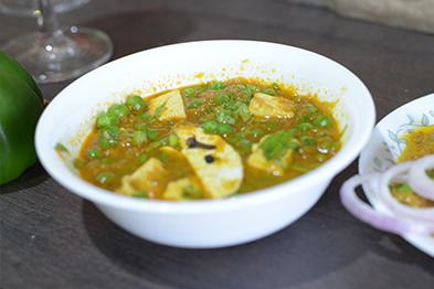 Fooddeliveryservice In Vadodara Food Cooked Food Delivery Online Food