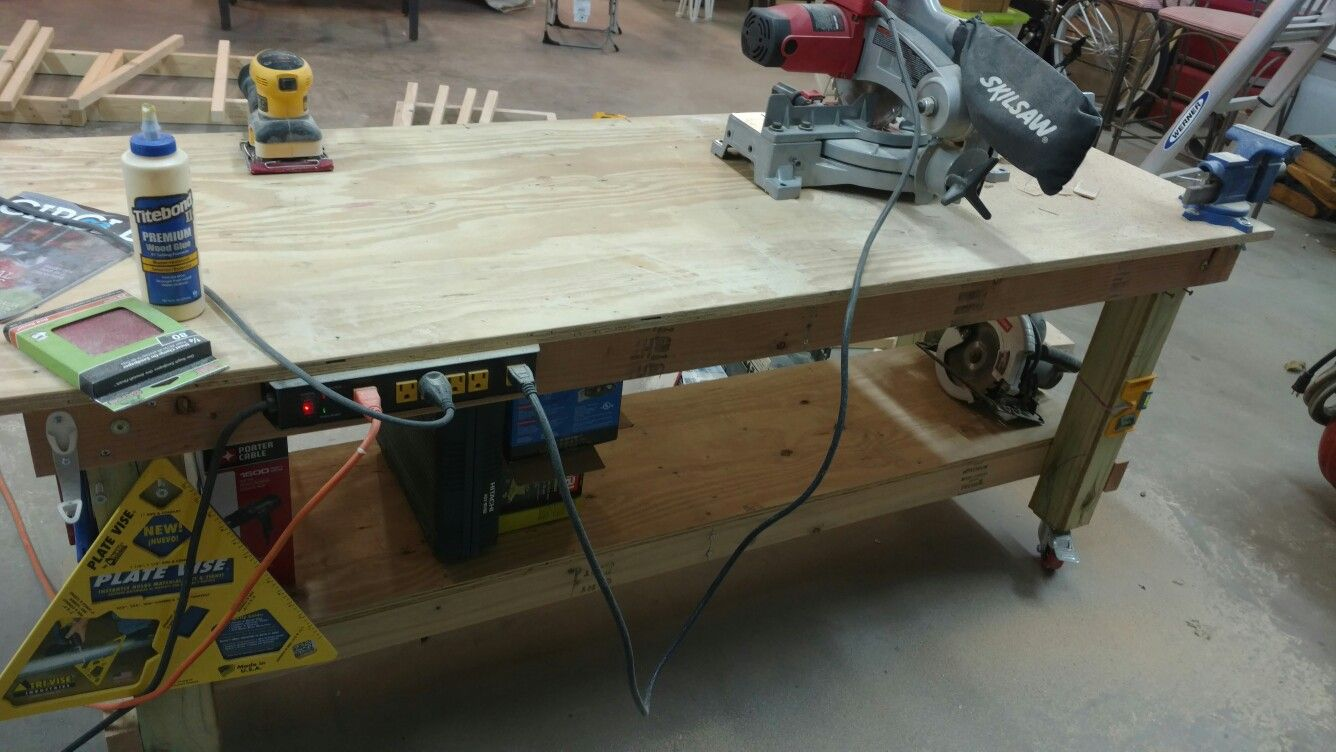 Work bench on wheels