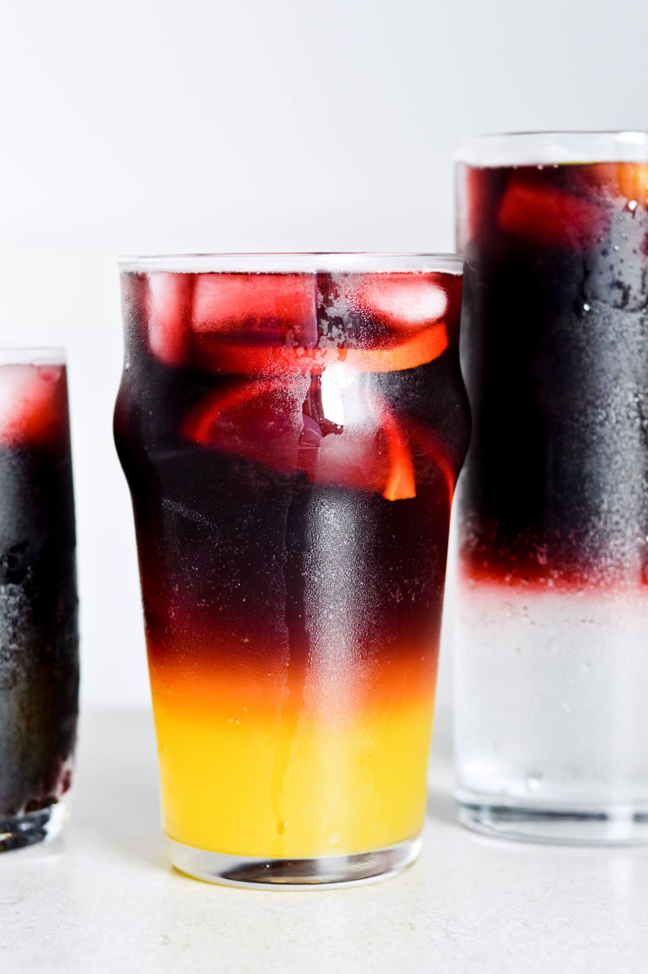Red Wine Spritzer 3 Ways Mitzy At Home Red Wine Spritzer Wine Spritzer Non Alcoholic Wine