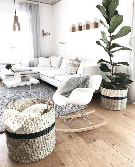 »Schaukestuhl 2.0« Egal ob im Wohnzimmer, in der Leseecke oder im Schlafzimmer - der Schaukelstuhl feiert sein Comeback! Neue Designs und Stylingideen rund um das IT-PIECE findest du bei uns im WestwingNow Shop! // Wohnzimmer Sofa Teppich Korb Holz Skandinavisch @wollehochdrei #décorationmaisoncocooning