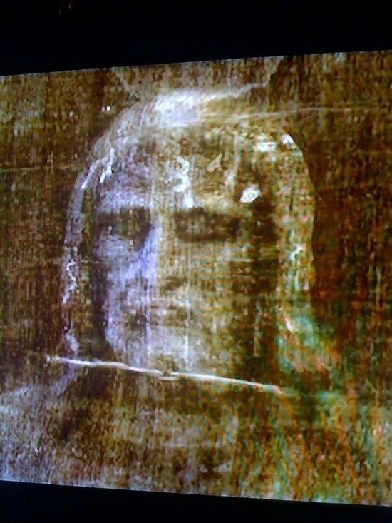 The Shroud of Turin, 3D reflection from a negative of ...