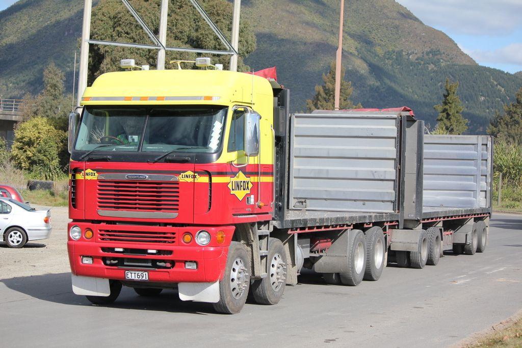 Freightliner, New Zealand New zealand, Freightliner