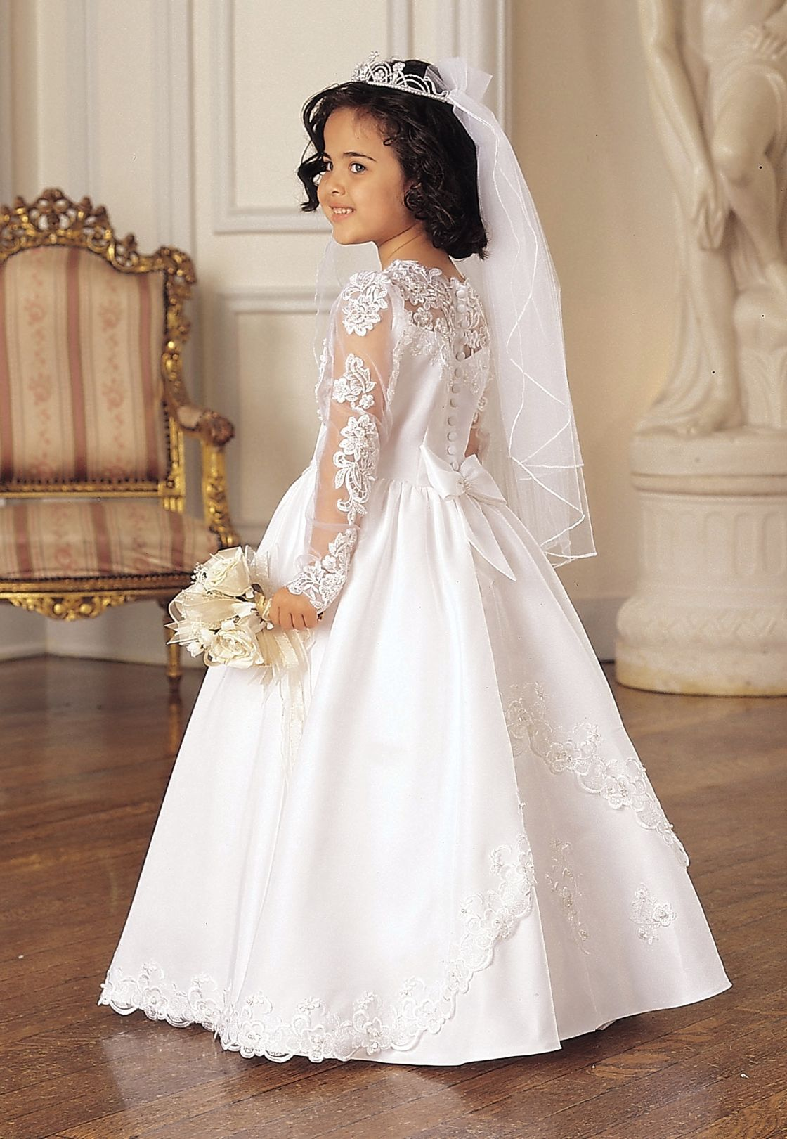 Maria First Holy Communion Dress like the sleeves | Vestidos de ...