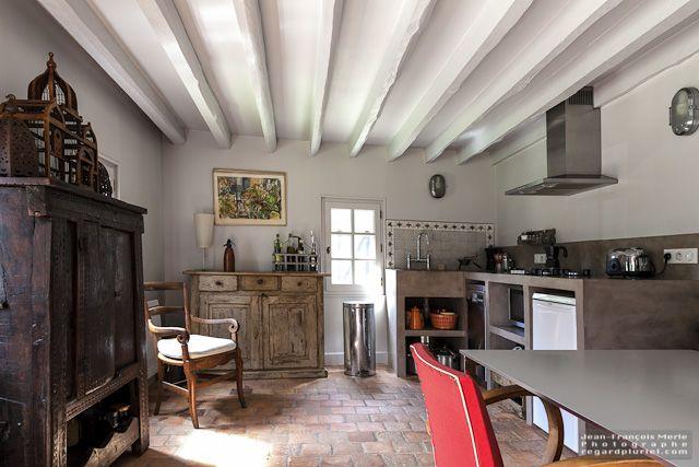 Cuisine ancienne avec poutres et tomettes Cuisine gite Pinterest - deco maison ancienne avec poutre