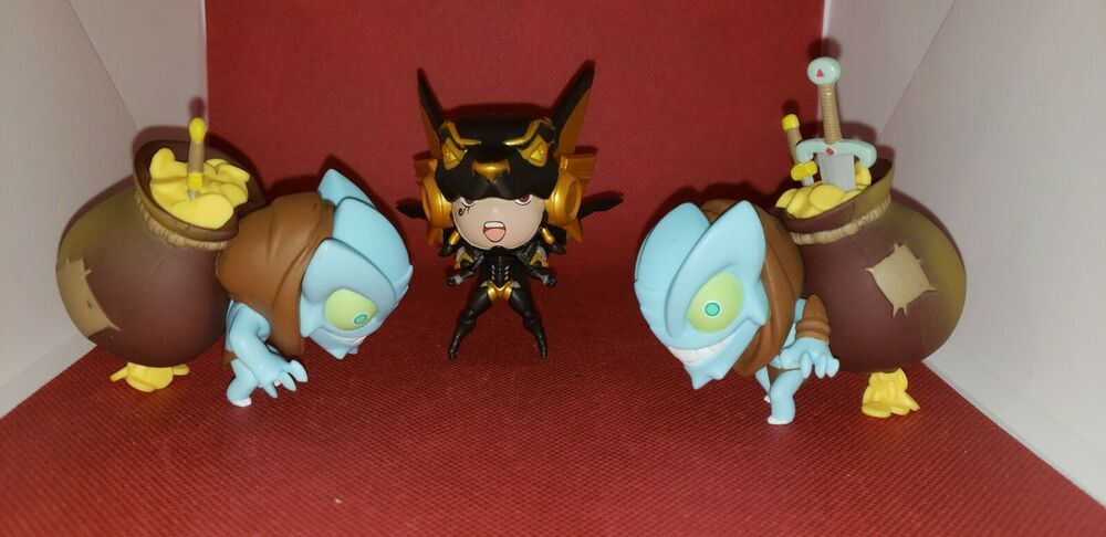 Blizzard Cute But Deadly Series 2 used 3 lotAnubis , Treasure Goblin