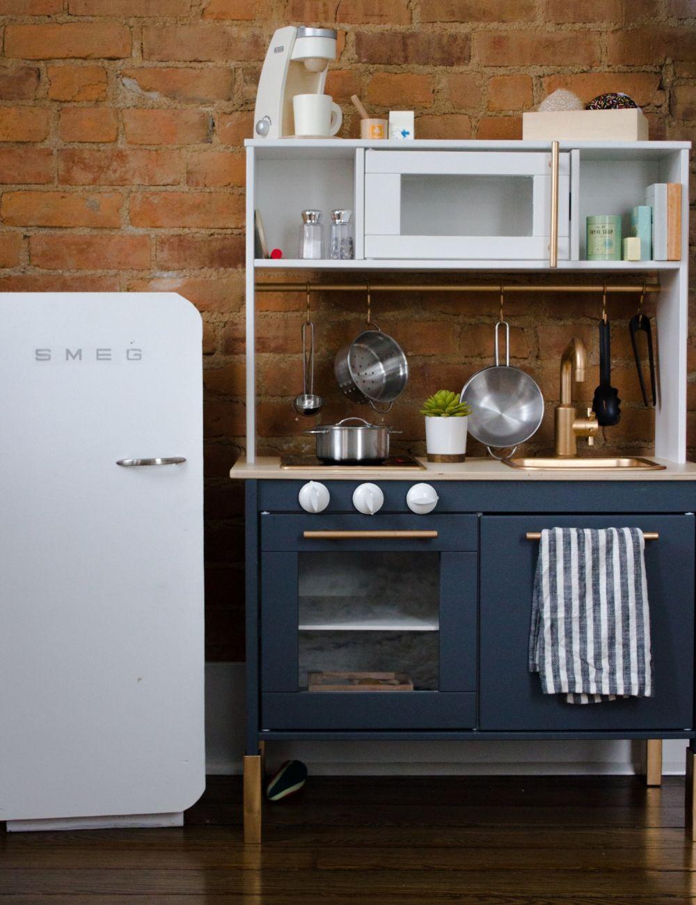 ikea play kitchen hack lastenhuone 2018 pinterest. Black Bedroom Furniture Sets. Home Design Ideas