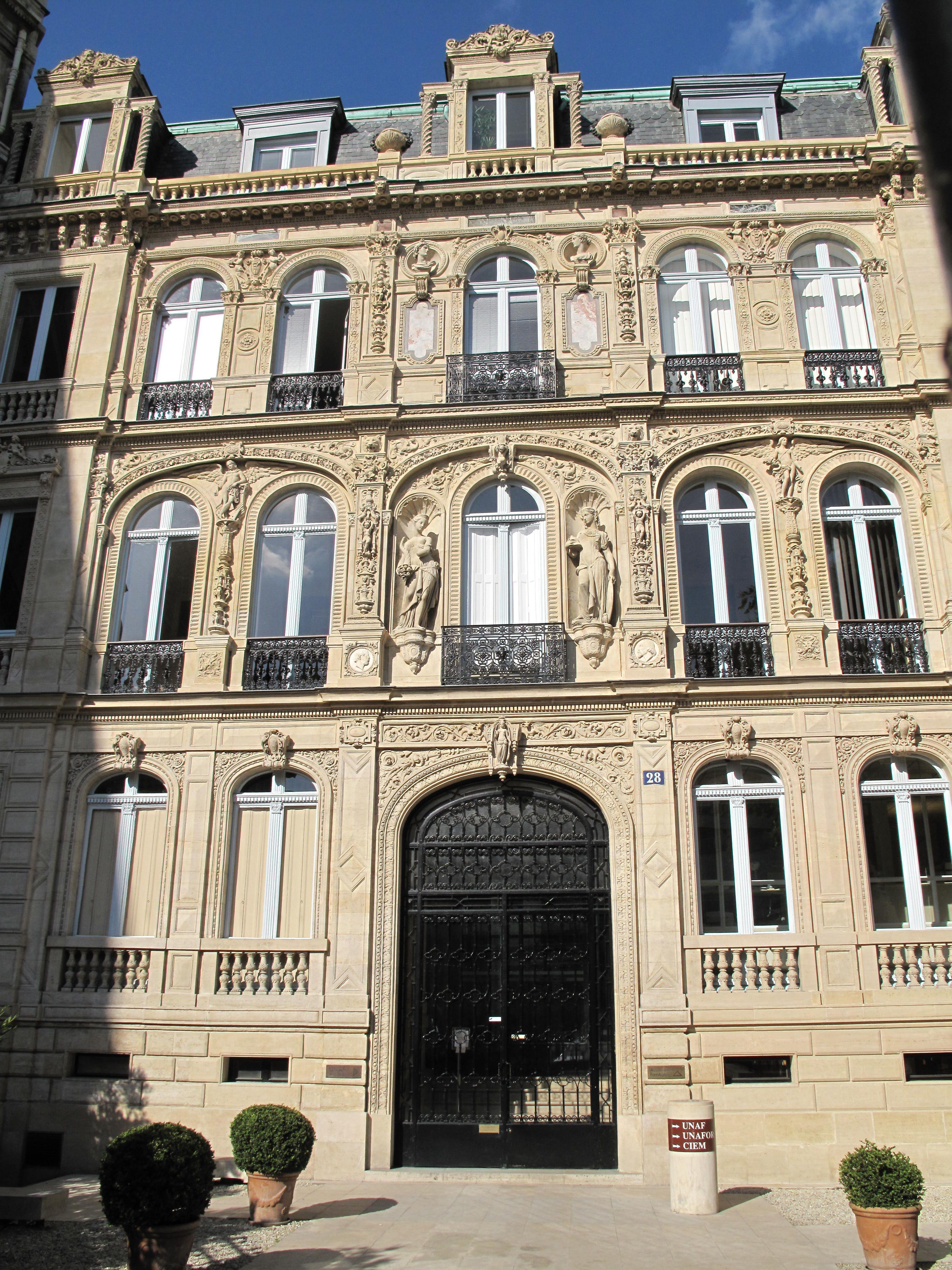Hotel Villa La Parisienne Parigi first hotel of the paiva, place saint-georges, paris ix