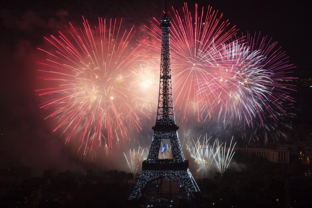 new year wallpaper stunning snaps of the eiffel tower from every angle eiffel tower in paris tour eiffel