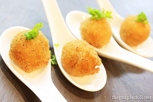 Cromesquis of Sea Urchin or deep-fried sea urchin balls from Brasserie CiÇou