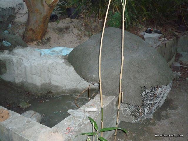 Etape 2 : Faux rocher : recouvrement béton armé faux rocher, Faux ...