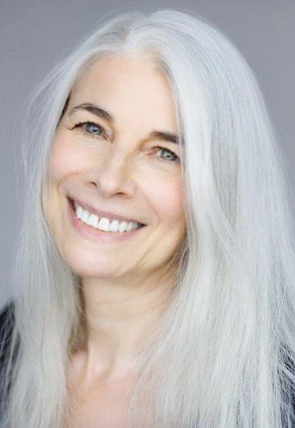Les cheveux gris vieillissent