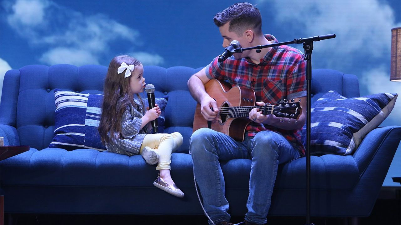 Adorable Singing Father Daughter Duo Performs You Ve Got A Friend