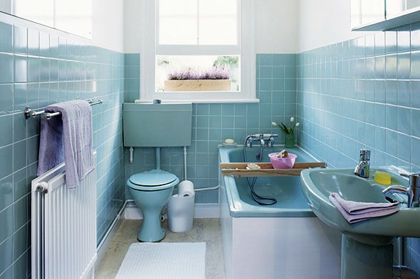 retro-bathroom-makeovers - they didn't do a peach coloured one (new house  has very peach, scalloped suite, very eighties, fully tiled bathroom)