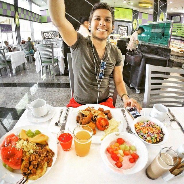 El Your Alex Tienda Desayunando En Riu Palace Peninsula Cancún