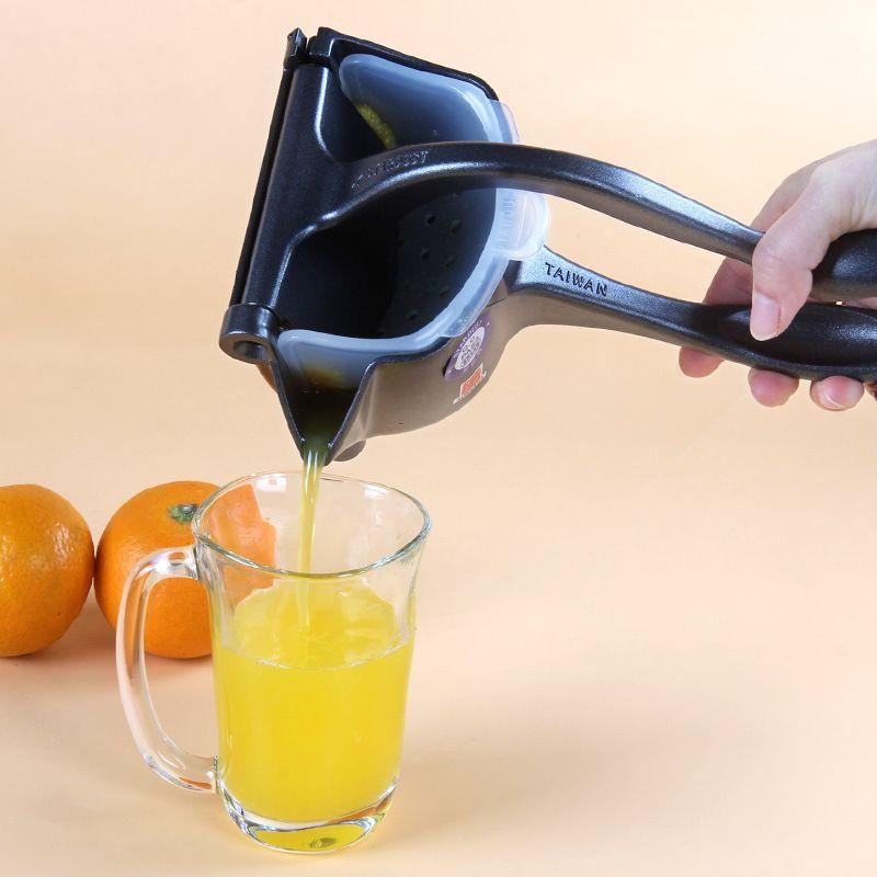High Quality Lemon Squeezer Squeezer Kitchen Accessories Reamers Pourer Screw SU