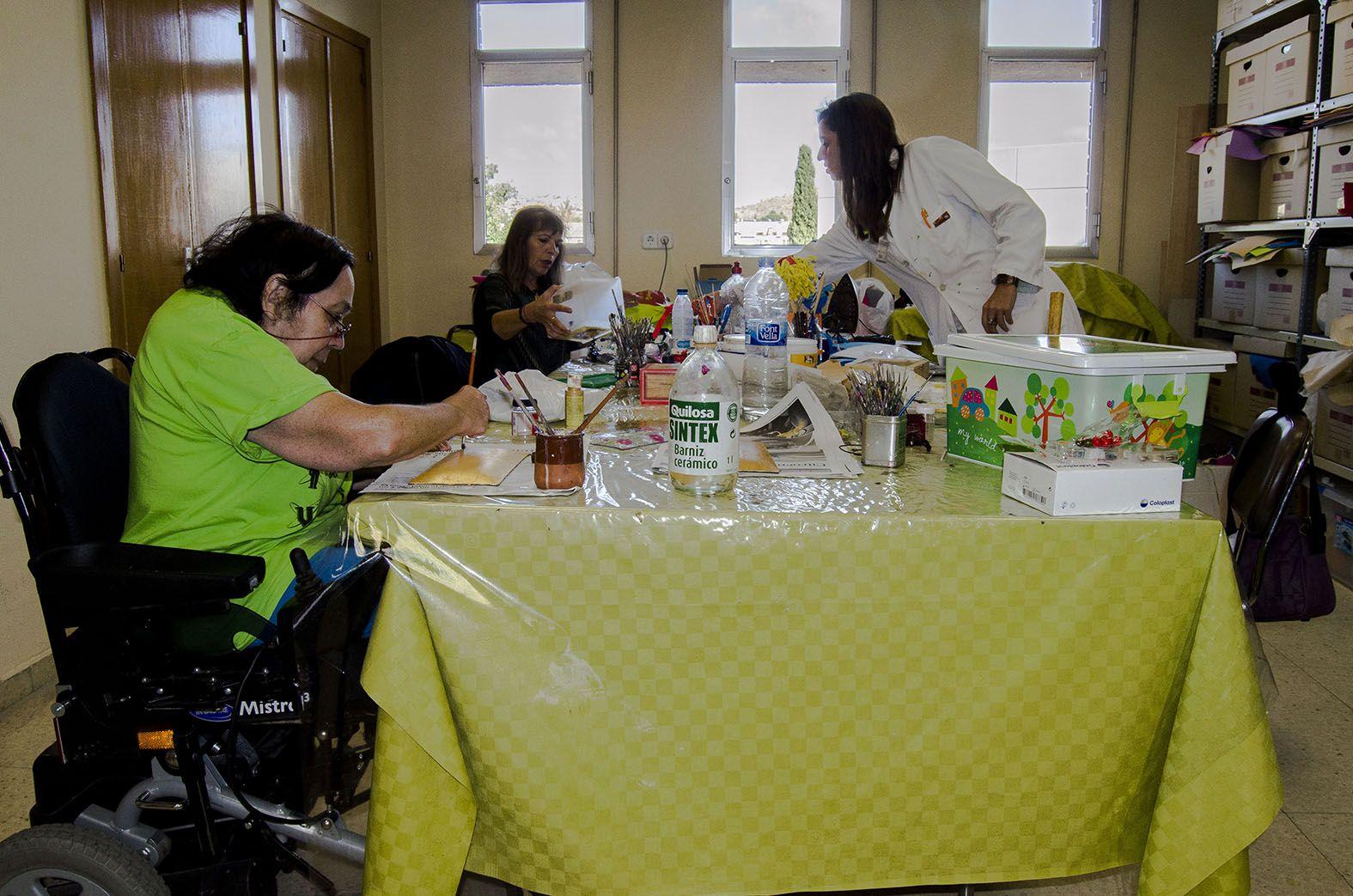 Taller de Animación Sociocultural en el Hospital Nacional de Parapléjicos.
