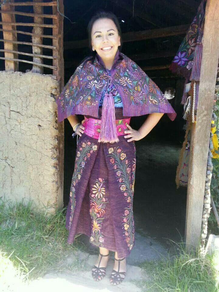 Traje típico indígena, en la zona de Zinacantán, Chiapas, México ...