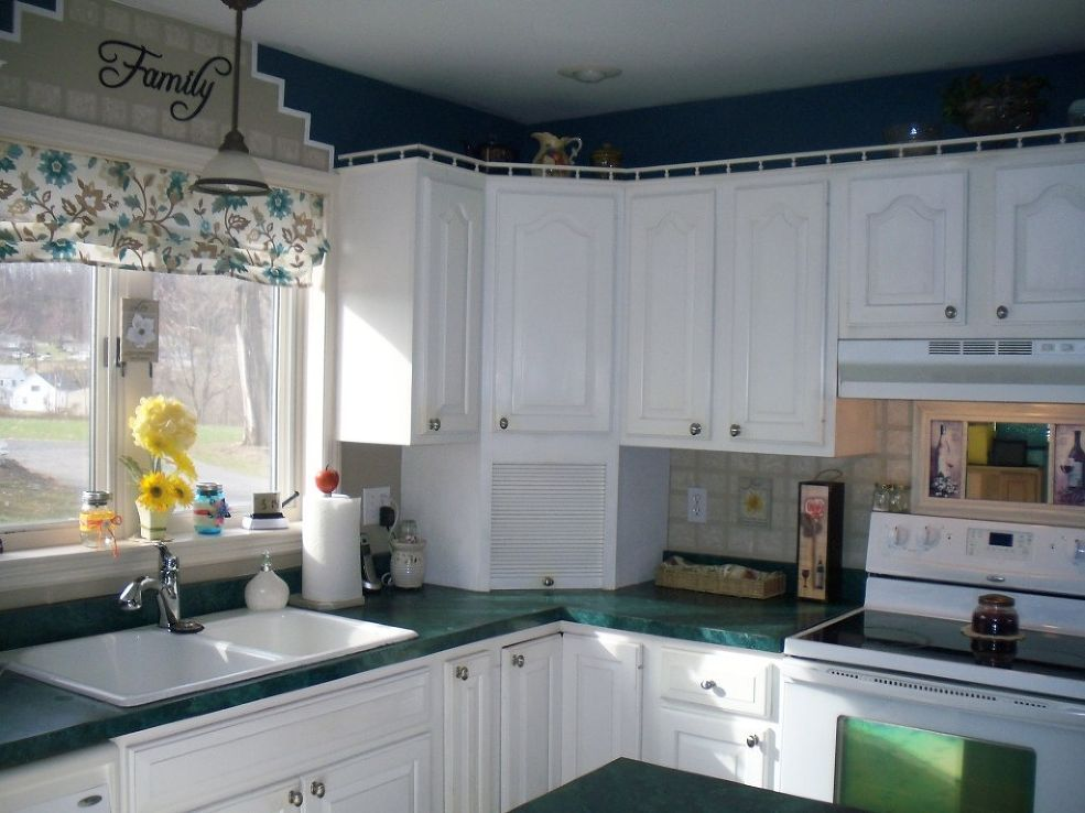 how to create a faux tile hand painted backsplash | kitchens