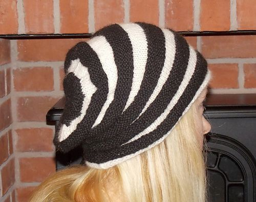 Ravelry: 2 Colour Textured Slouch Hat pattern by Coco Alpacas