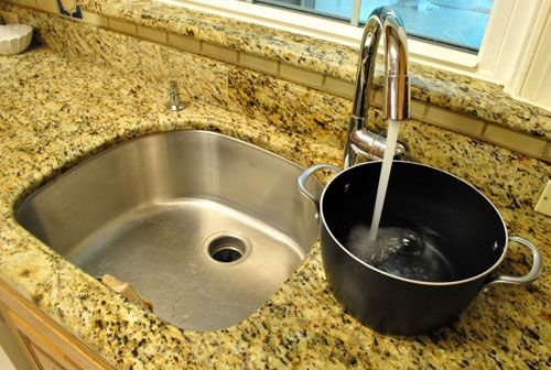 Single Sink Vs Double Which Is Better Bowl Faucet