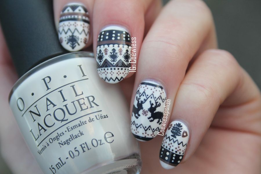 Coewless: Sweater leggins nails
