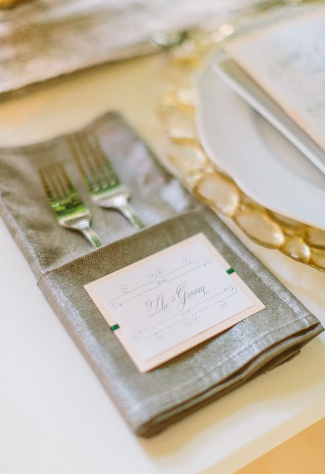 I Can Do This Napkin Fold Simple Yet Elegant In Red Or Black With