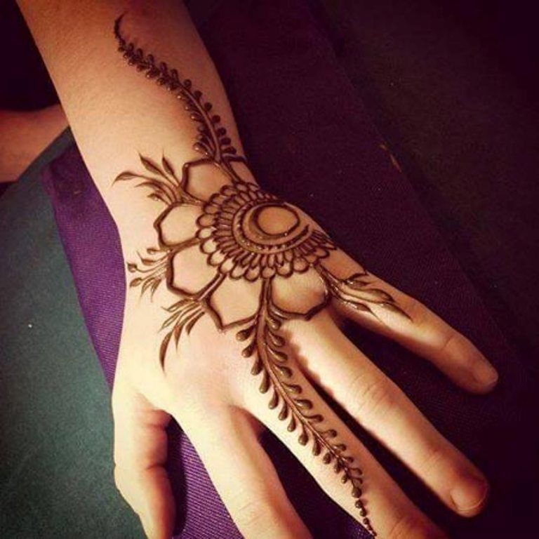 Beautiful Simple Flower Henna Designs for Eid
