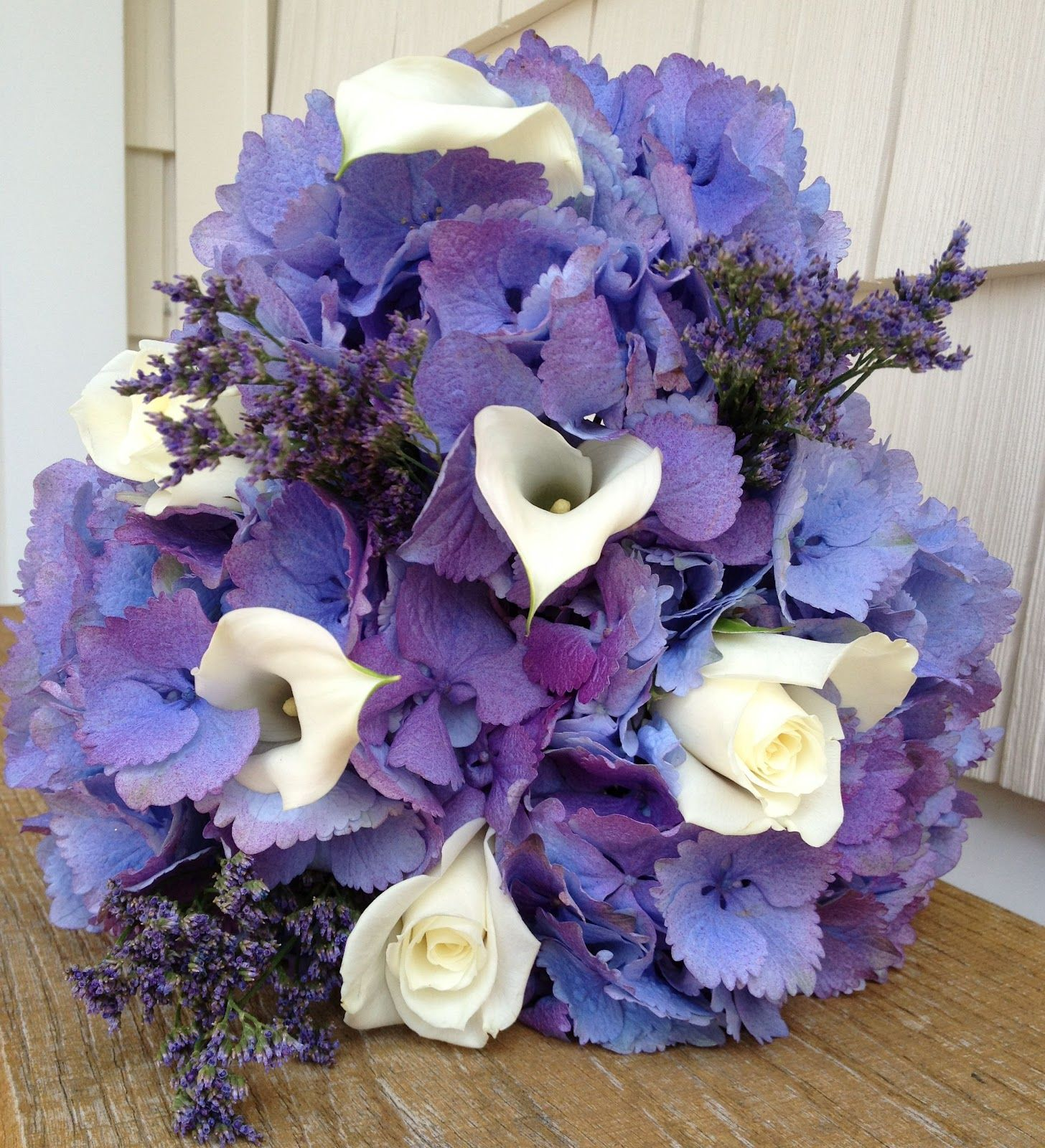 Dark Blue Flowers For Wedding Bouquets: This Bouquet Looked So Nice