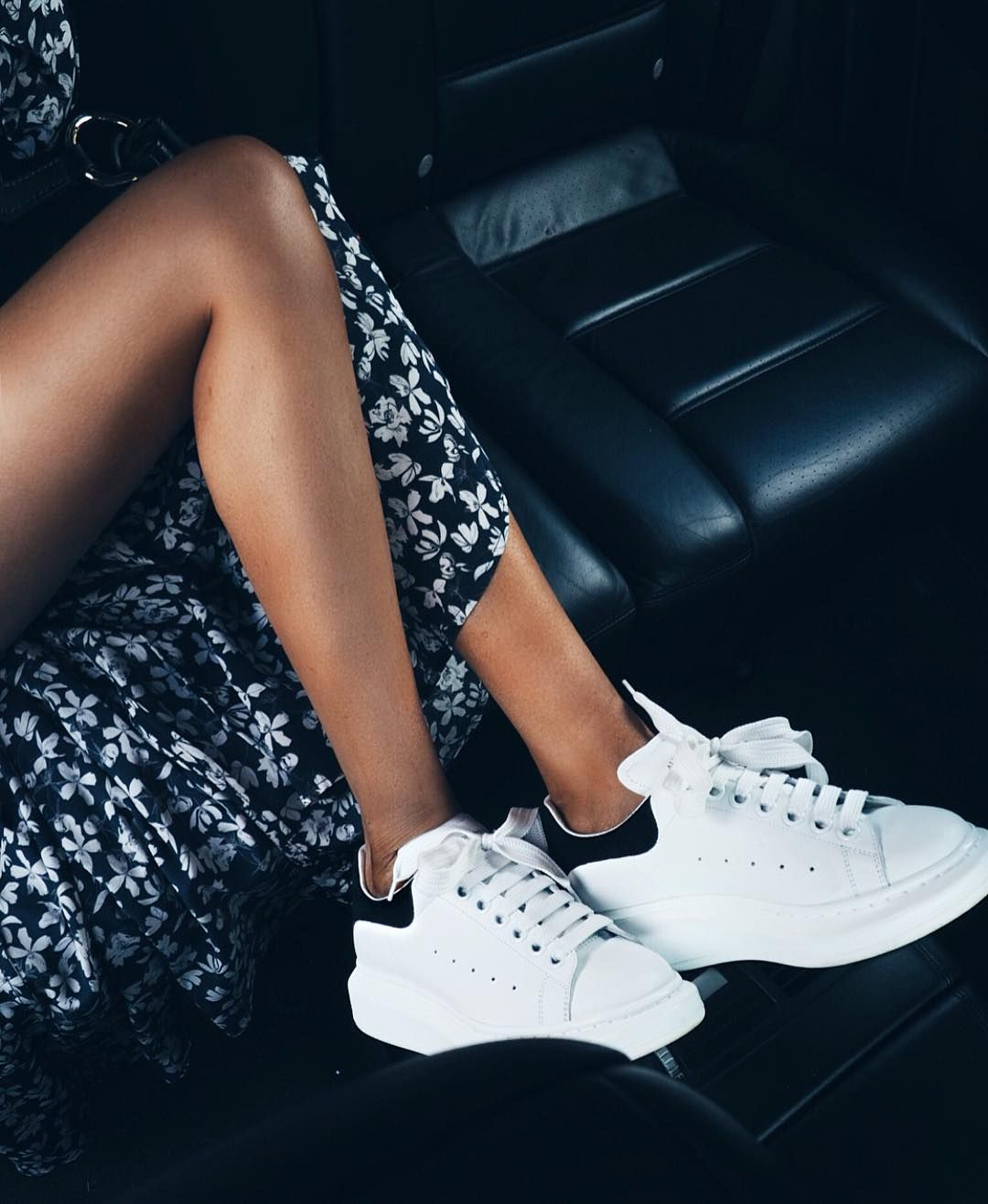 d966981970913 Tenues Mode, Idee Tenue, Mode Tendance, Chaussure, Mode Monochrome,  Chaussures De