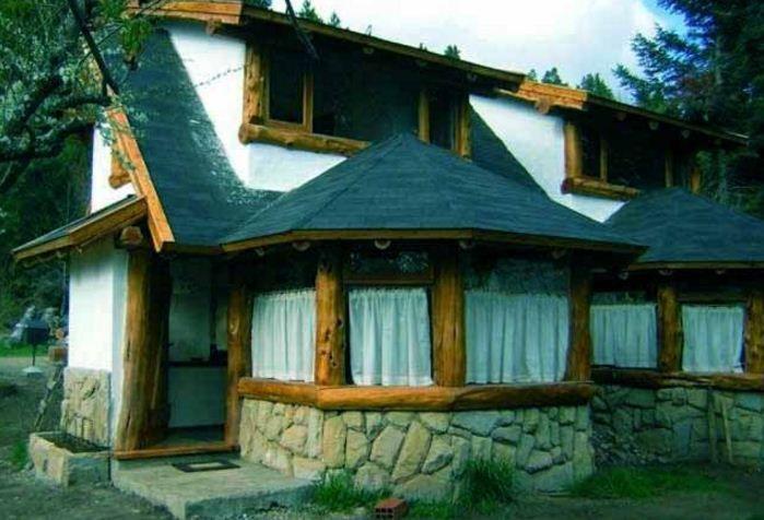 Fachadas de casas rusticas con troncos caba as casas for Fachadas de cabanas rusticas