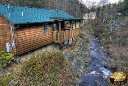 Smoky Mountain Cabins For Rent In Gatlinburg And Pigeon Forge Tn Smoky Mountains Cabins Gatlinburg Cabin Rentals Smoky Mountain Cabin Rentals