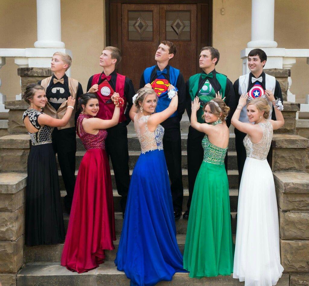 Alle Kleider abitur kleider : Clever Teens Dress As Secret Superheroes For Prom Night ...