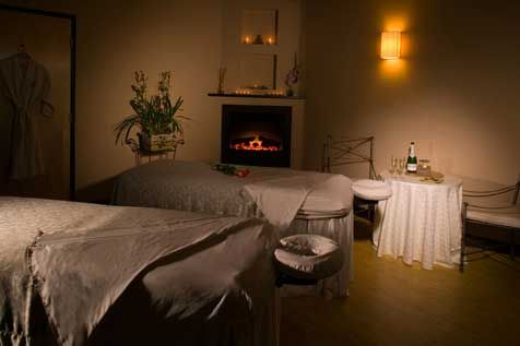 18230d09bc15 massage room linens and set-up | Massage | Massage therapy rooms ...