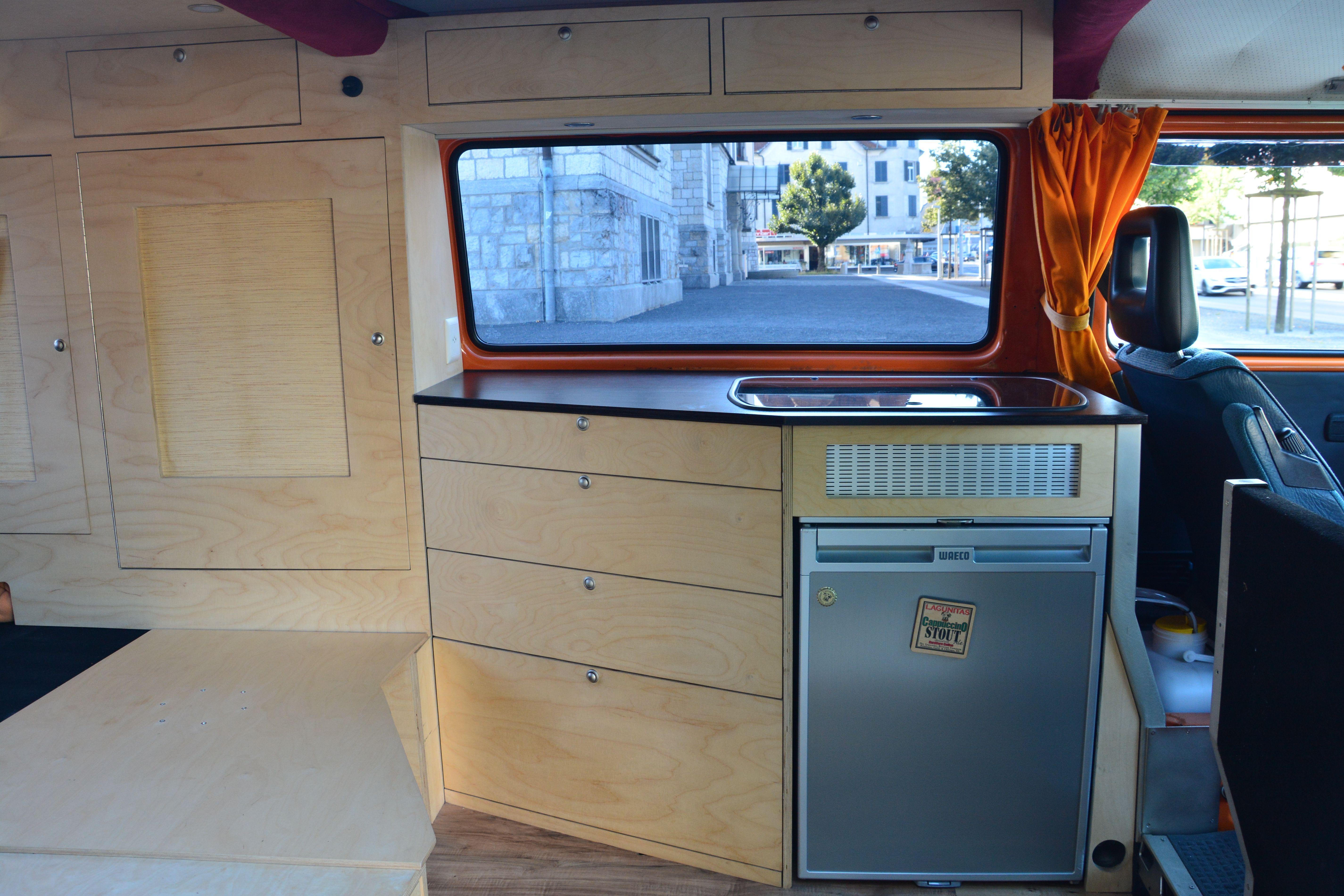 vw t3 k che camperausbau stefan camper ausbau und t3 ausbau. Black Bedroom Furniture Sets. Home Design Ideas